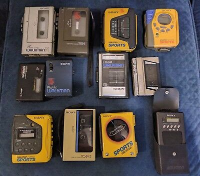 VINTAGE SONY SPORTS WALKMAN RADIO/CASSETTE PLAYER LOT Parts only, nonworking
