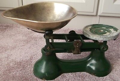 Vintage BOOTS OF NOTTINGHAM Green Enamel Kitchen Scales/Brass Pan - No Weights