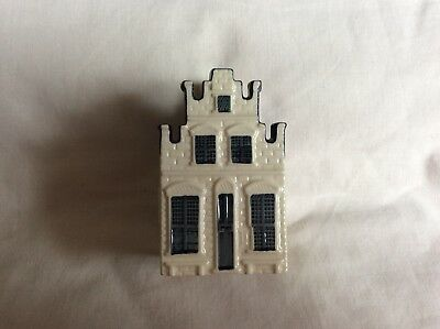 KLM Blue Delft House No.76. Excellent condition, seal in place.