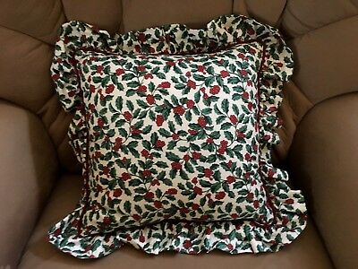 Longaberger TRADITIONAL HOLLY Ruffle Accent Pillow