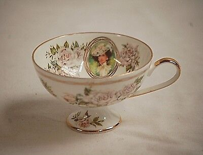 Vintage 1992 Avon Mrs. Albee Honor Society Footed Tea Cup White Roses Gold Trim
