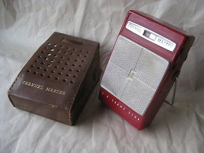 Vintage Six Transistor Radio Sanyo Channel Master w/ leather case (not working)