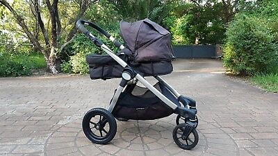Baby Jogger City Select Stroller Pram. Comes with Seat & Bassinet.