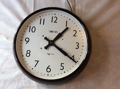 Smiths bakelite mains wall mounted clock
