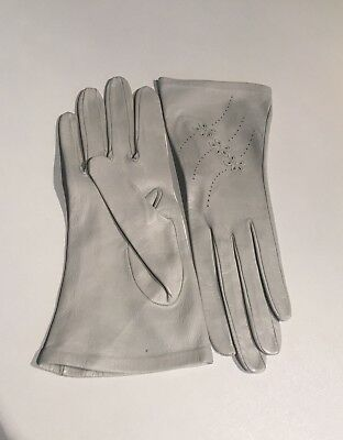 Beautiful Vintage Milore Ladies Gloves, Soft Pale Green Leather, Small *EUC*