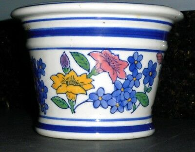 0277 Vintage AAA Imports Porcelain Flowered Pottery Planter