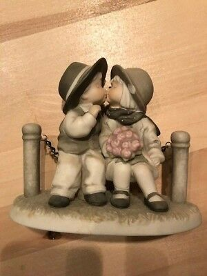 Kim Anderson Pretty as a Picture 1996 With Love and Kisses figurine