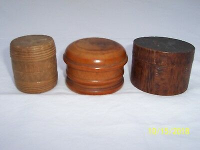 3 small treenware containers