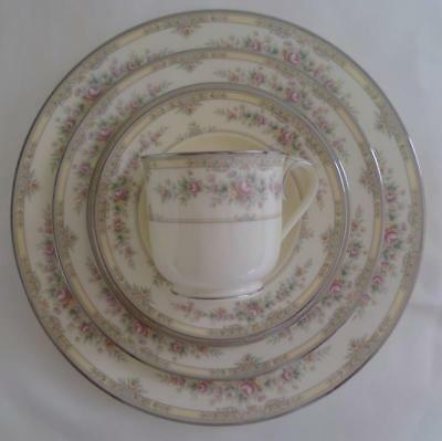 Pristine 5 piece Noritake Shenandoah 9729 place setting MINT (8 to sell)