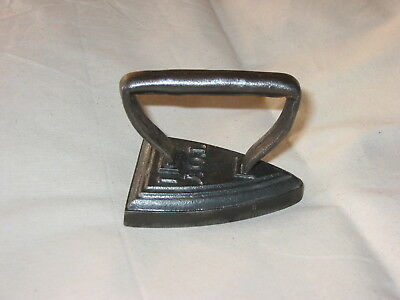"NICE LITTLE CAST IRON  ""TOY 1"" SMOOTHING IRON circa 1900"