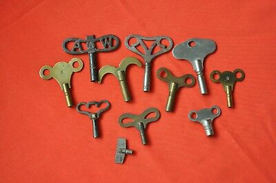 Antique clock keys Job Lot of mostly brass various sizes