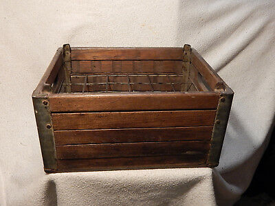 Antique Vintage Foremost Dairy Wooden Crate Milk Box w Metal Dividers