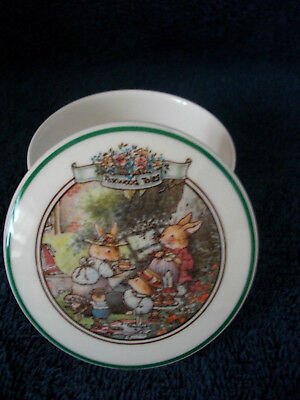 Foxwood Tales Villeroy And Boch The Picnic  Small  Summer Trinket Box