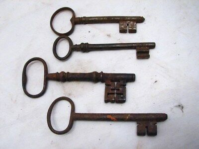 Lot Antique Complex Cast Iron Skeleton Key Lot of 4 Large Ornate