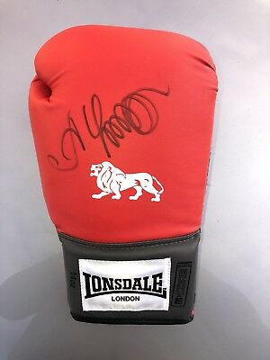 """Hand Signed Oleksandr Usyk Glove """"With Proof"""""""