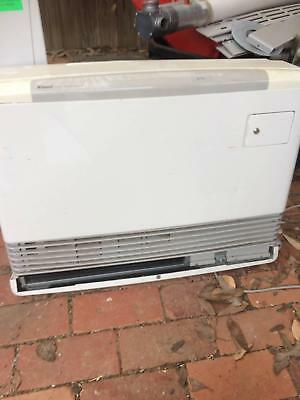 Rinnai Natural Gas Heater Used in Excellent condition