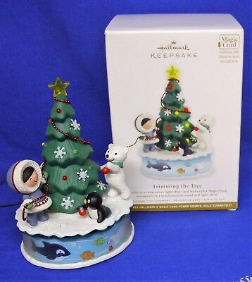Hallmark Ornament Frosty Friends Trimming the Tree 2012 Magic Cord Interactive 1