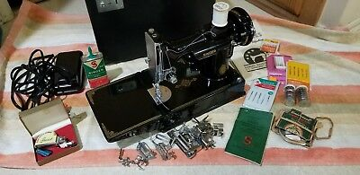 Singer Featherweight Portable Sewing Machine Model 221-1 Works Nice w/ Case Key
