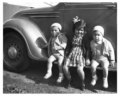 1935 DeSoto Airflow & Children Automobile Photo ch5009
