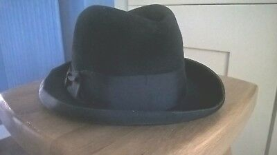 Vintage trilby hat.  Good condition