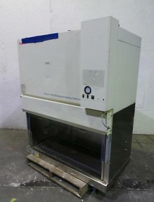 Thermo Fisher Model 1284 Class II A2 Biological Cabinet