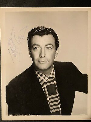 Authentic Vintage Autographed Photo Of Robert Taylor