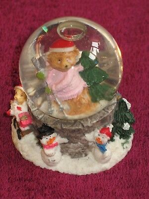Christrmas Fox With Cubs And Snow Men Snow Globe