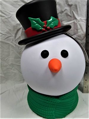 "HALLMARK 12:"" SINGIN & SMILIN MUSICAL SNOWMAN LIGHT UP & SINGS   New with Tags"