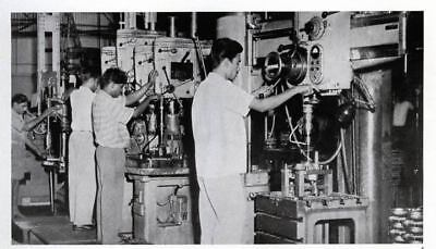 1964 1965 Royal Enfield Motorcycle Factory Photo India ua880-Z6GY4R