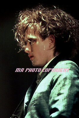 4x6 / 5x7 inch  photo (s) THE CURE   ROBERT SMITH
