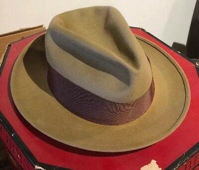 Vintage 1940's Dobbs Fifth Avenue Fedora Brown size 7  With Box
