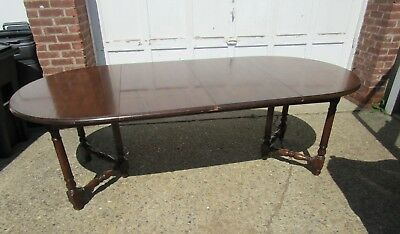 20-7004 Henredon Oak Turned Stretcher Base Oval Dining Room Table With 2 Leaves