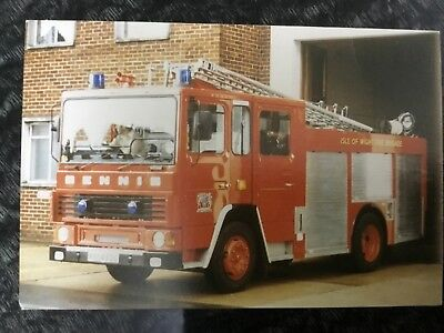 Used postcard Dennis DS151 Fire Appliance Engine Isle of Wight, Newport
