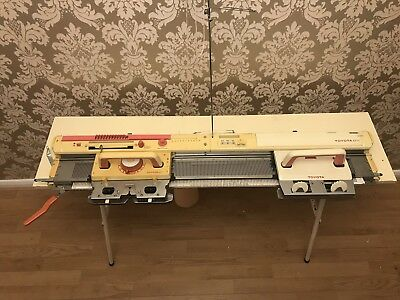 Toyota KS777 Knitting Machine