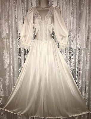 VTG IVORY OLGA Bridal Princess Styling Nightgown Negligee Gown Sleeves M L 92067