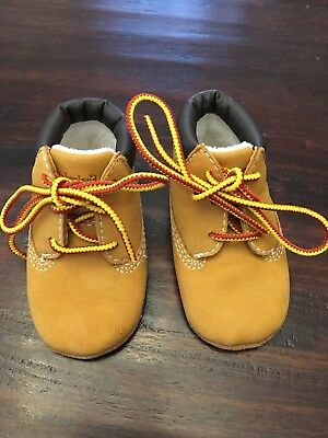 Timberland infant baby Boy soft crib boots shoes Size 2