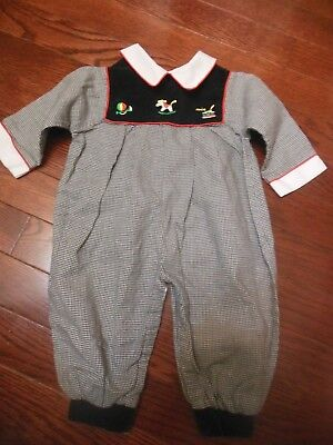 f1678d2c3 Boutique Vintage Baby Boys 6-9M Christmas 1pc Outfit,Black/White, Red