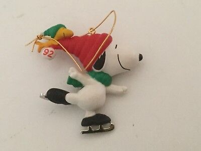 Hallmark 1992 Snoopy & Woodstock Iceskating Ornament No Box