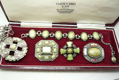 VINTAGE JEWELLERY MIXED LOT SCOTTISH BROOCHES/BRACELET/PENDANT (Miracle)