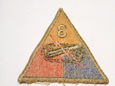A   WW 2 U S Army  3rd Armored Division Cut Edge White Back Patch