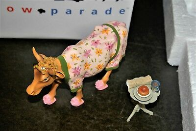 Cow Parade Early Show #9129 MIB w/tag Resin figurine
