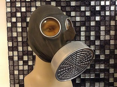 ww2 german gasmask civil hood type ,immaculate original.1937.