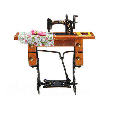 1:12 Miniature Decorated Sewing Machine Furniture Toys for* Doll House  LC