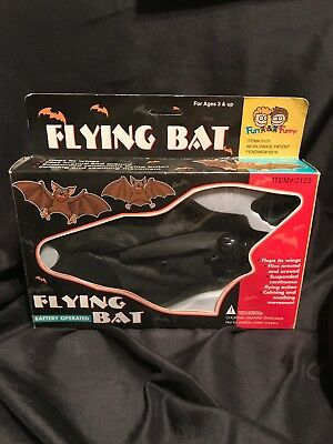 BATTERY OPERATED FLYING BAT toy bat - scary Halloween black