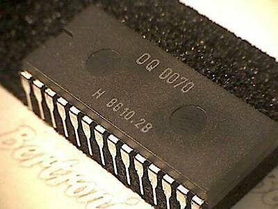 OQ0070  IC  orig. Philips  DIP-28  customized spare part  vintage  rare