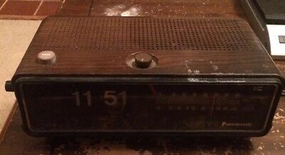 Panasonic Model RC-6253 AM FM Alarm Flip Clock Radio - Working Tested