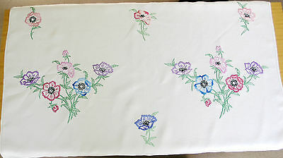 """Beautiful vintage linen embroidered tablecloth anemones 27"""" x 44"""" (69 x 112 cm)"""