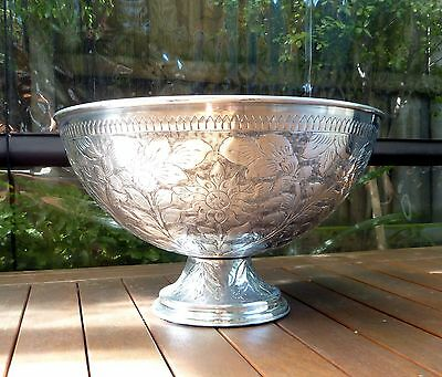 Brand New Embossed Wine/ Drinks Cooler Bowl size 51cm Diameter