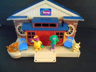 Barney Schoolhouse Playset Deluxe Set Figures Furniture Barney Pbs