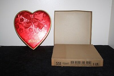 Vtg Whitman's Red Deluxe Foil Valentine's Day Heart Candy Box with Ribbon 1lb